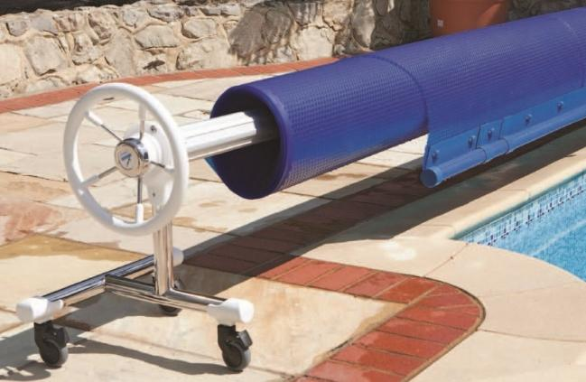 commercial and domestic swimming pools,  swimming pool maintenance